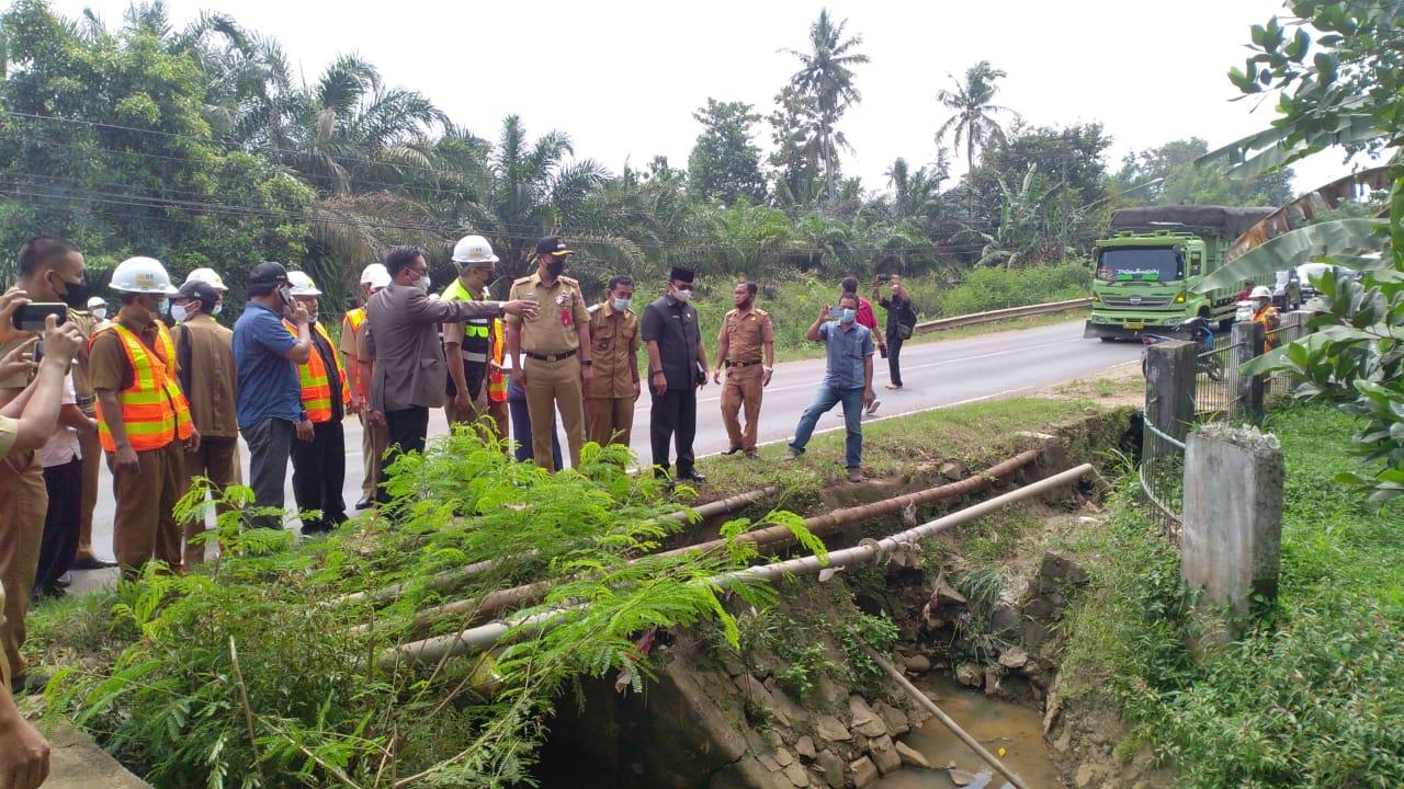 Eksekutif & Legeslatif Lampura Tinjau Titik Rawan Banjir