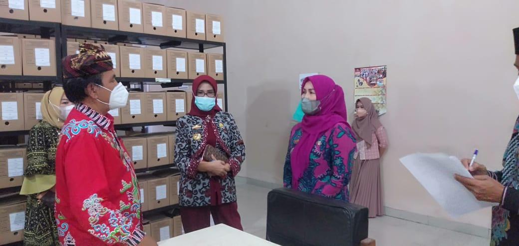 Kadis Perpustakaan Lampung Cek Depo Arsip Di Perpus Lamsel