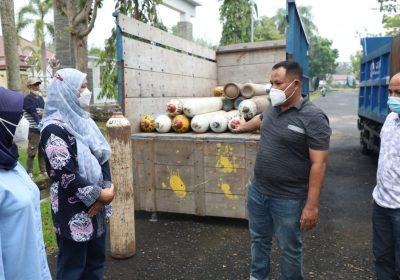 Nanang Ermanto Datangkan 99 Tabung Oksigen dari PT Pusri Palembang